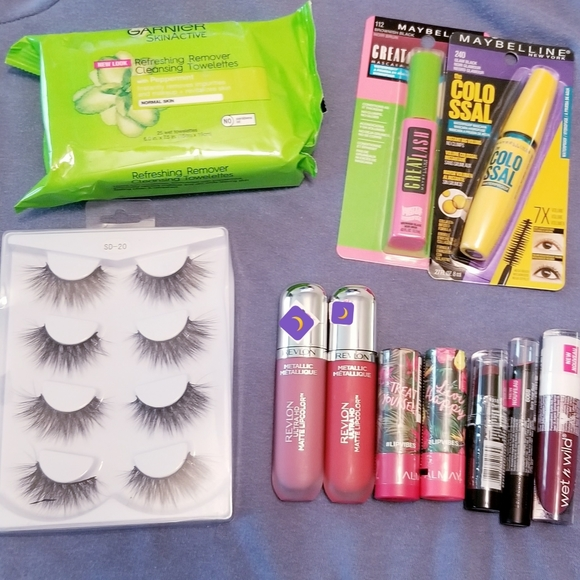 Maybelline Other - Makeup bundle ((☆Hit ❤ button for special offers))
